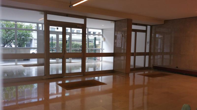 Location appartement Paris 15ème 1387€ CC - Photo 9