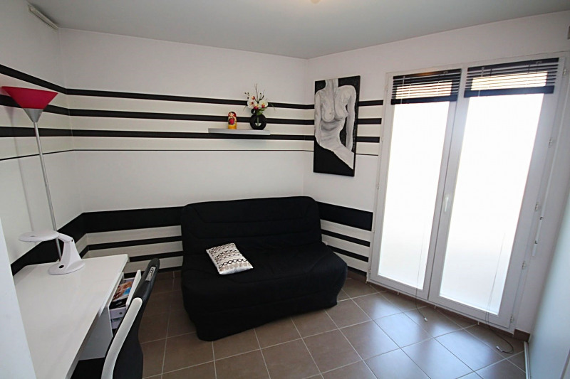 Sale apartment Juan-les-pins 375 000€ - Picture 4