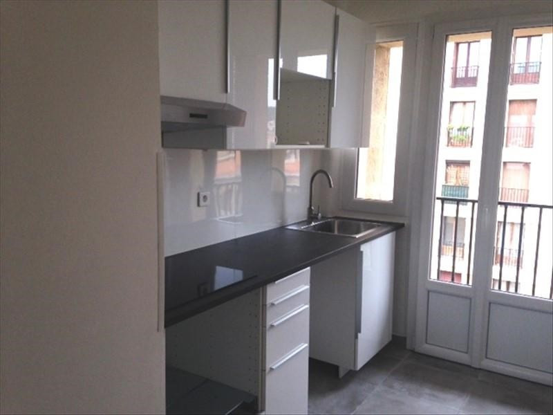 Rental apartment Aix en provence 1 100€ CC - Picture 1