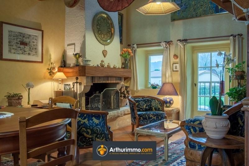 Sale house / villa Morestel 210000€ - Picture 2