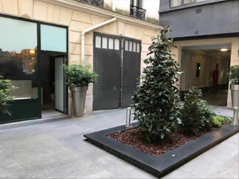 Sale empty room/storage Paris 8ème 1155000€ - Picture 2