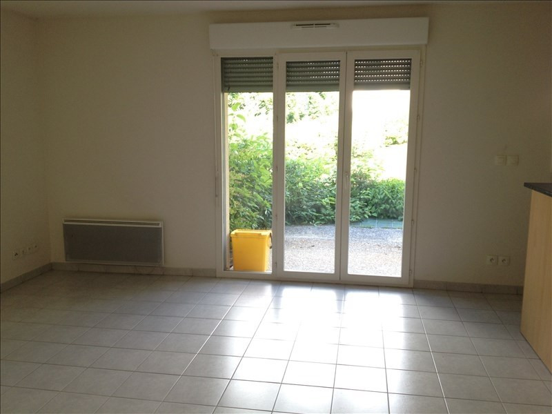 Rental apartment Vendome 453€ CC - Picture 1