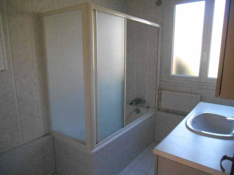 Rental apartment Verrieres le buisson 1 100€ CC - Picture 5