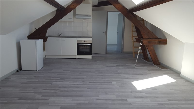 Rental apartment St quentin 420€ CC - Picture 1