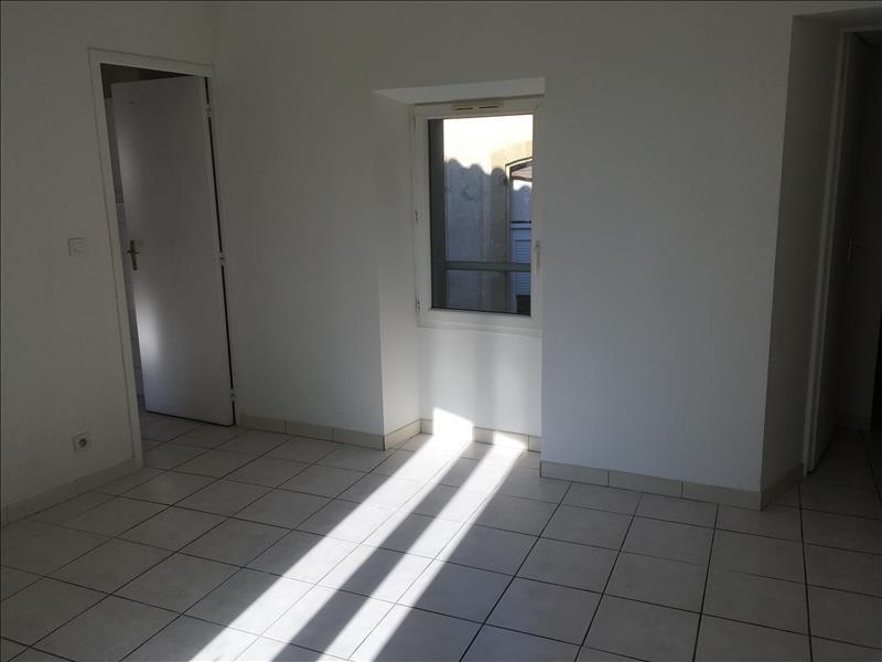 Rental apartment Pelissanne 495€ CC - Picture 4