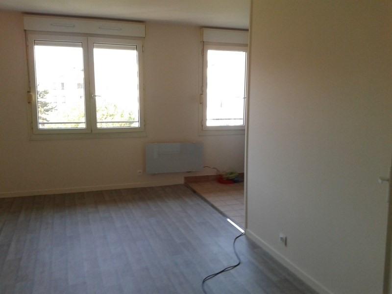 Rental apartment Saint genis laval 438€ CC - Picture 5