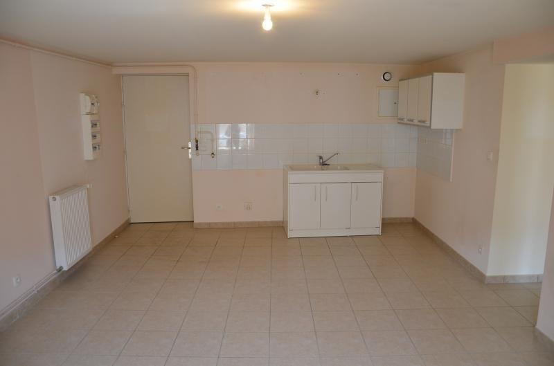 Location appartement Nantua 410€ CC - Photo 2