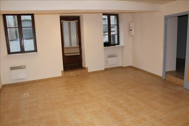 Location appartement Auxerre 300€ CC - Photo 1