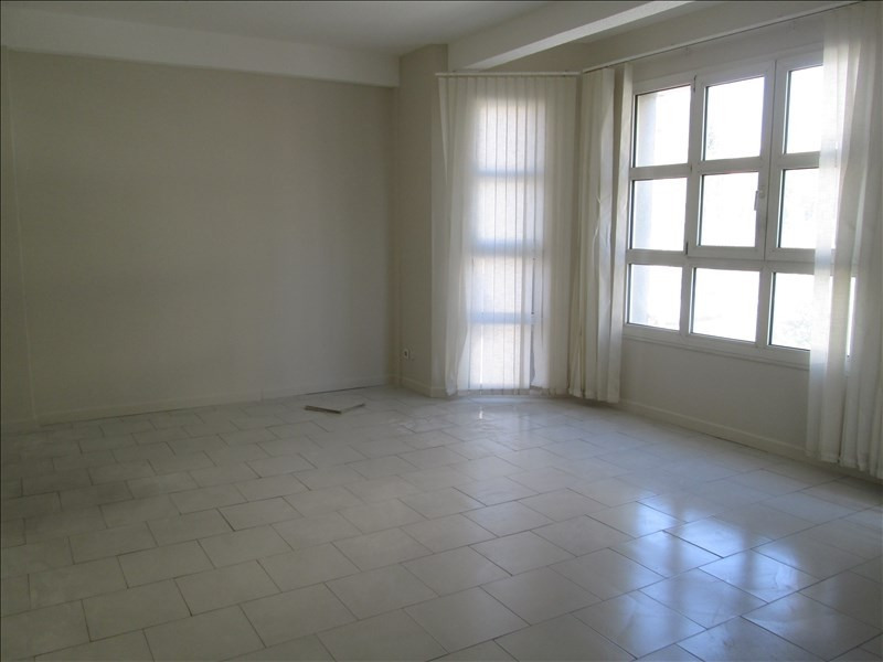Location local commercial Carpentras 550€ HT/HC - Photo 4