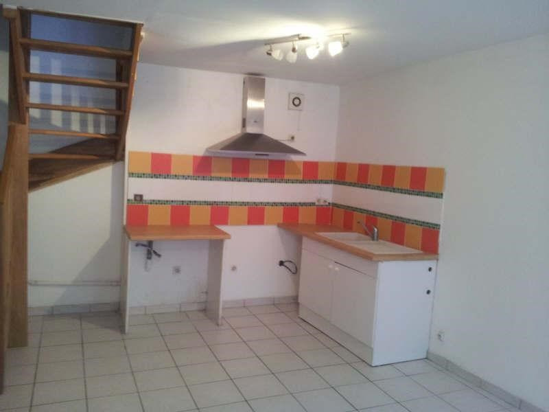 Sale building Angouleme 72000€ - Picture 1