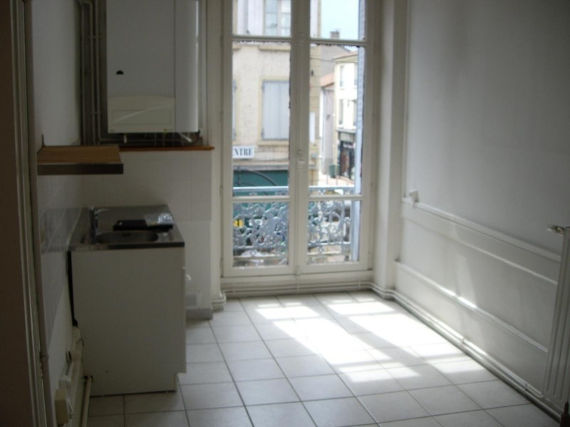 Location appartement Le coteau 450€ CC - Photo 2