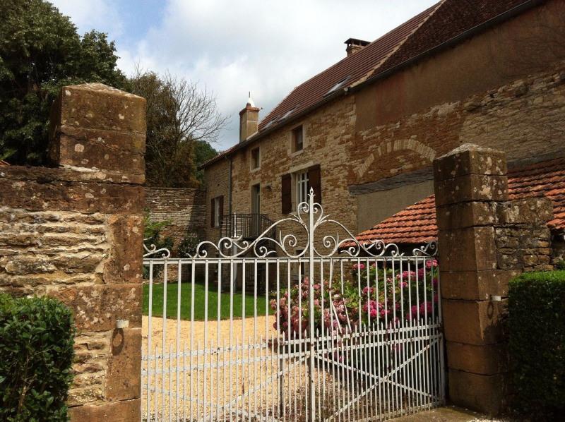Vente maison / villa Tournus 297000€ - Photo 1