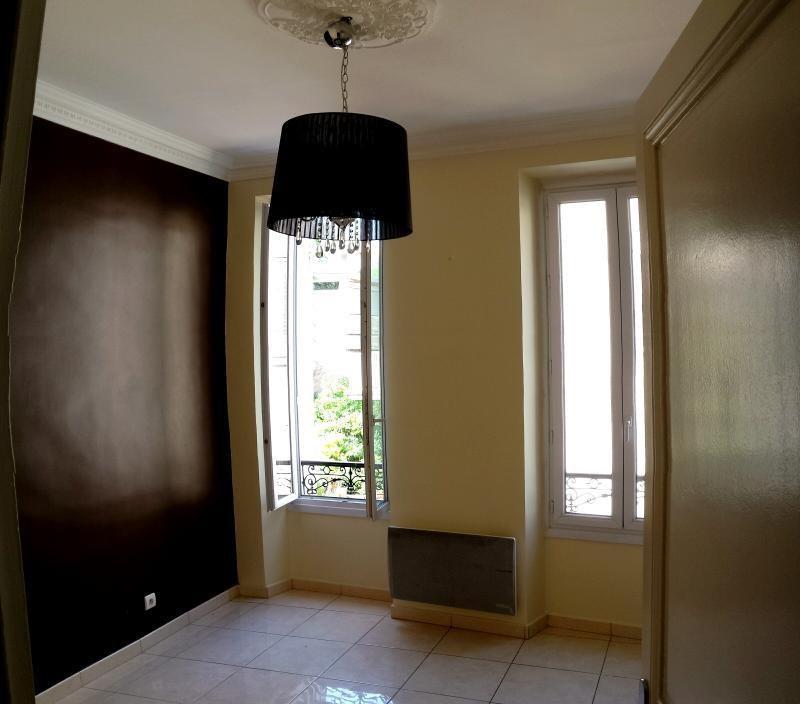 Location appartement Marseille 8ème 890€ CC - Photo 5