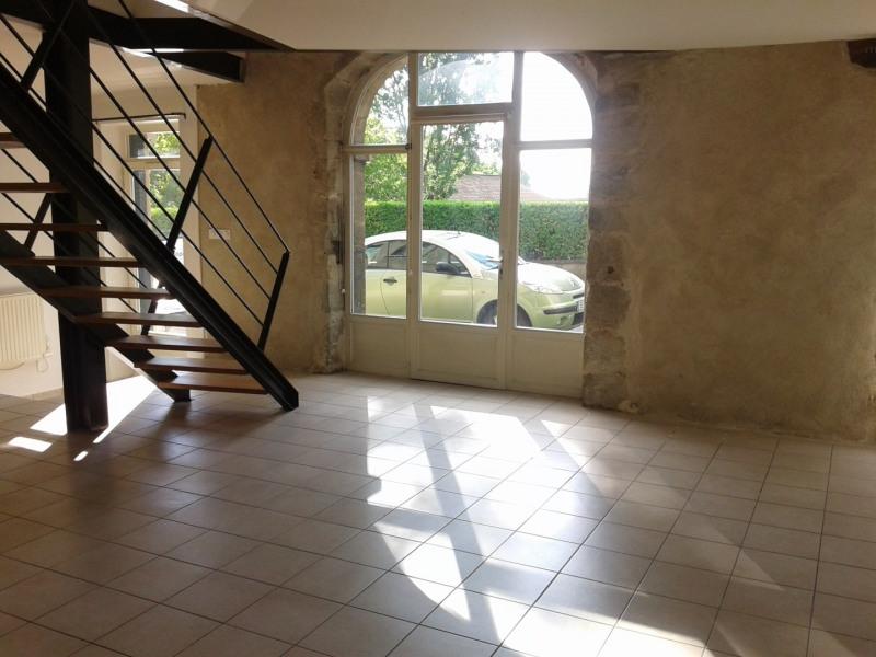 Location appartement Sainte foy les lyon 886€ CC - Photo 1
