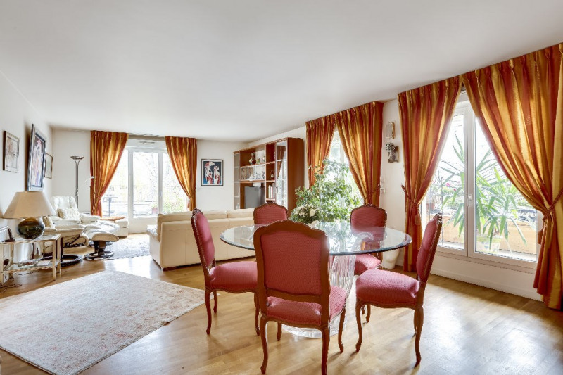 Deluxe sale apartment Courbevoie 1 082 000€ - Picture 2