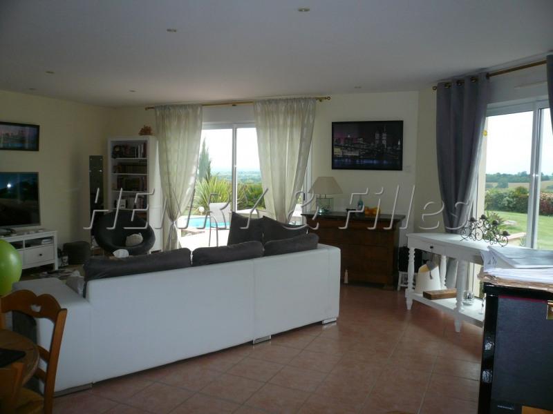 Sale house / villa L'isle jourdain 5 km 388000€ - Picture 3