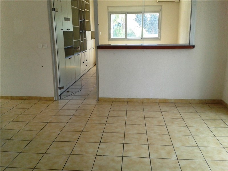 Rental empty room/storage Londe les maures 2 500€ HT/HC - Picture 8