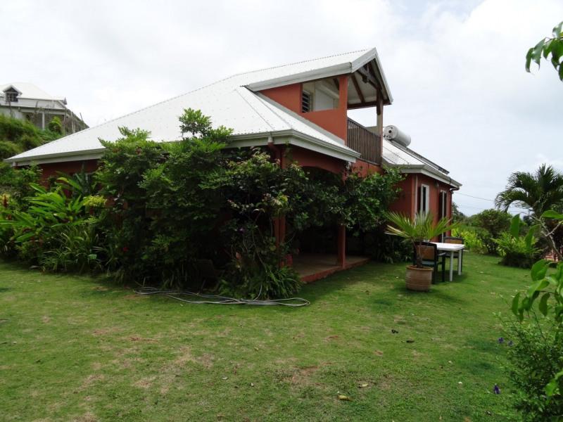 Deluxe sale house / villa Capesterre belle eau 320000€ - Picture 1