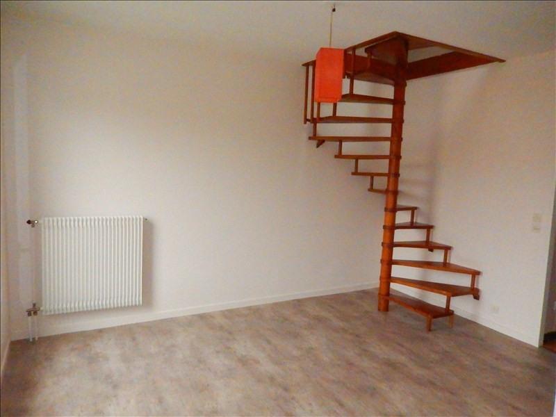 Location appartement Le puy en velay 384,75€ CC - Photo 1