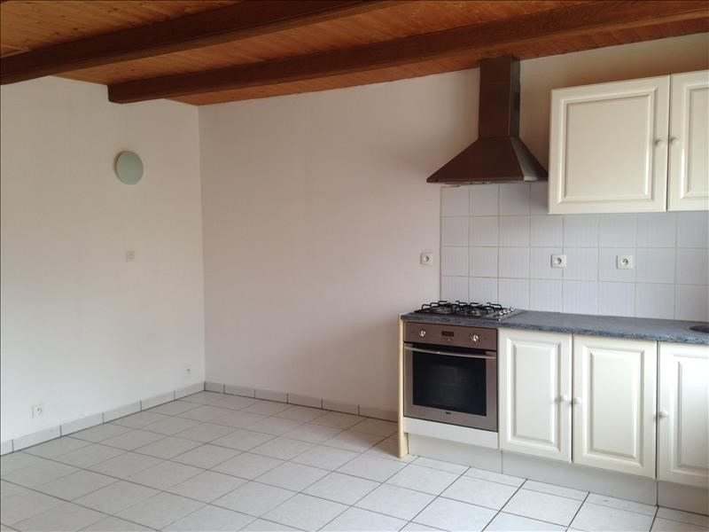 Location maison / villa Treglonou 350€ CC - Photo 1