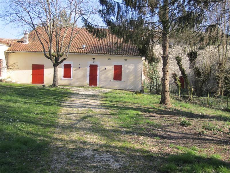 Sale house / villa Barbezeux st hilaire 130000€ - Picture 2
