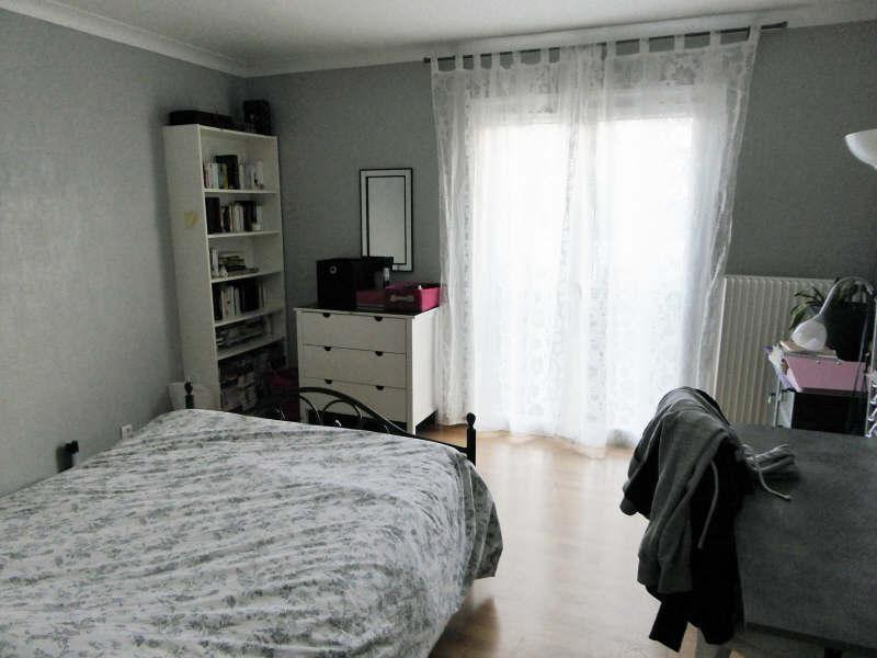Sale house / villa Elancourt 376000€ - Picture 4