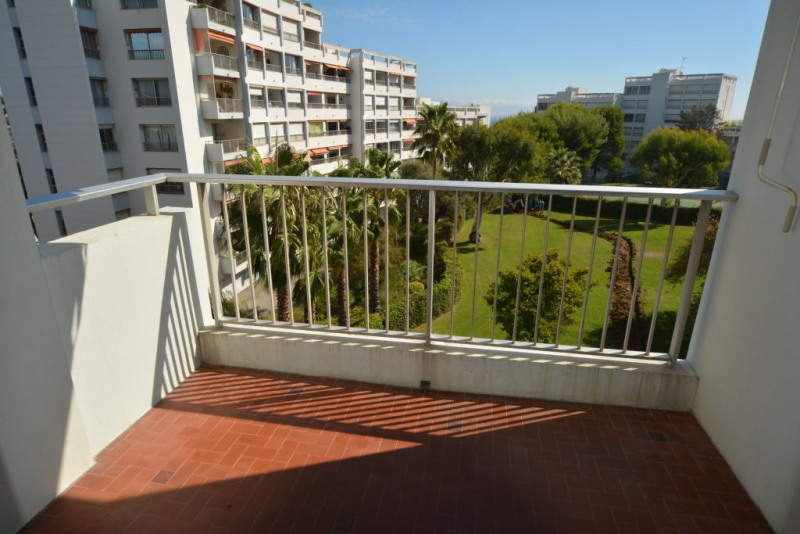 Sale apartment Antibes 224000€ - Picture 6