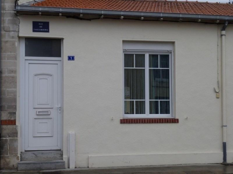 Rental apartment Saintes 502€ CC - Picture 1