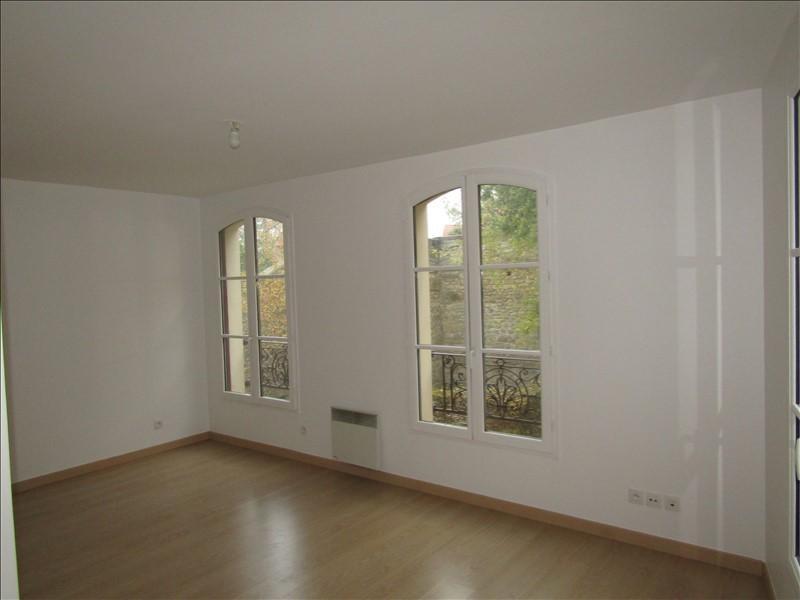 Location appartement Pontoise 745€ CC - Photo 2