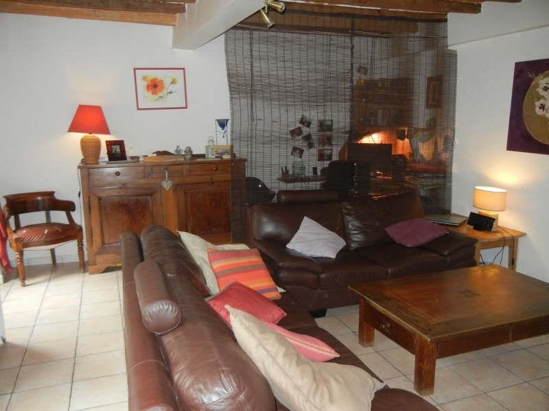 Location maison / villa St geoire en valdaine 813€ CC - Photo 3