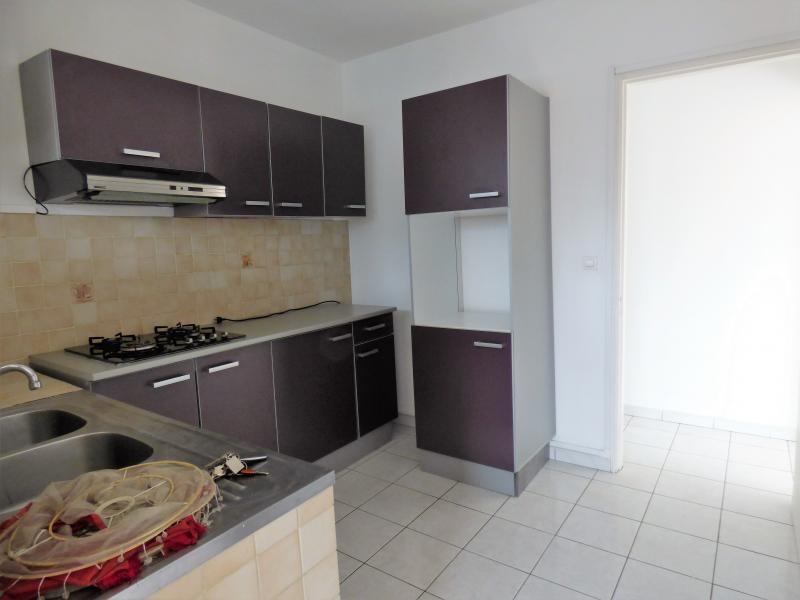 Alquiler  apartamento Saint pierre 700€ CC - Fotografía 3