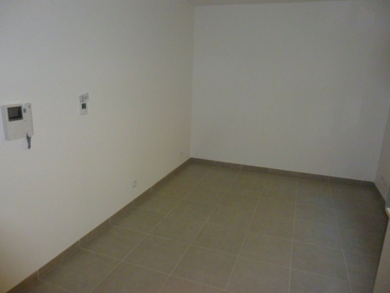 Rental apartment Poisat 273€ CC - Picture 5