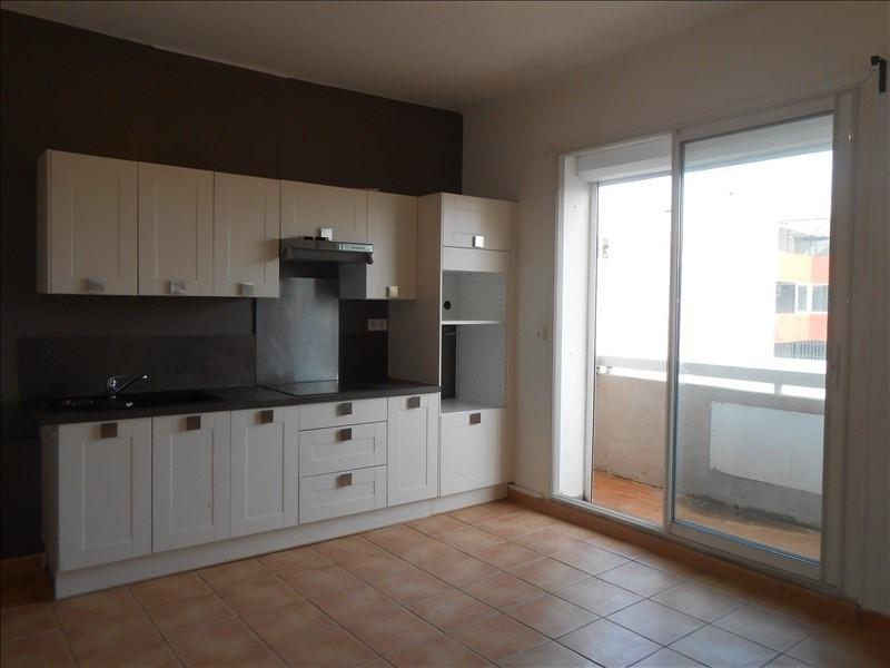 Rental apartment Martigues 640€ CC - Picture 1