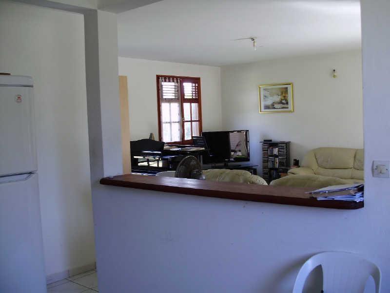 Rental house / villa Le gosier 810€ CC - Picture 4