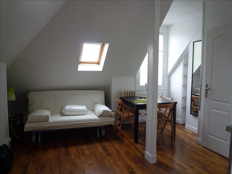 Rental apartment Paris 7ème 903€ CC - Picture 1