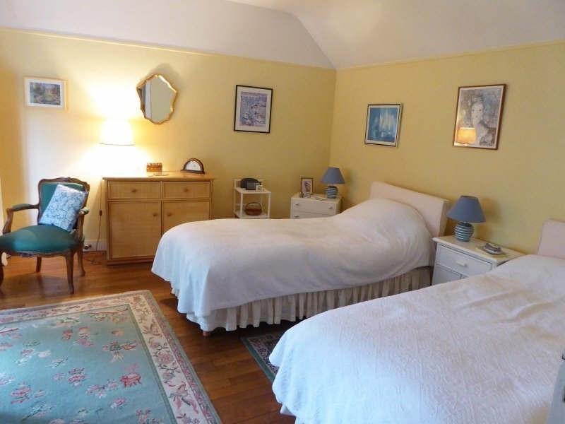 Sale house / villa Maurepas 429999€ - Picture 4