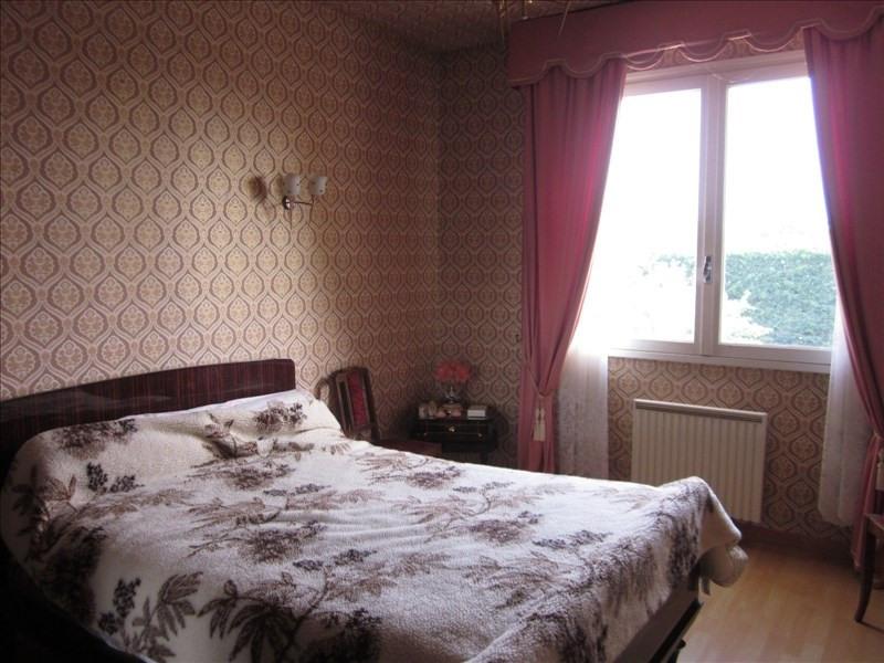 Sale house / villa L isle jourdain 242000€ - Picture 6