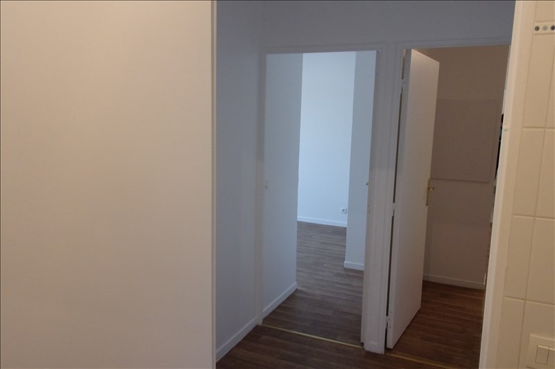Rental apartment La plaine st denis 1 208€ CC - Picture 2