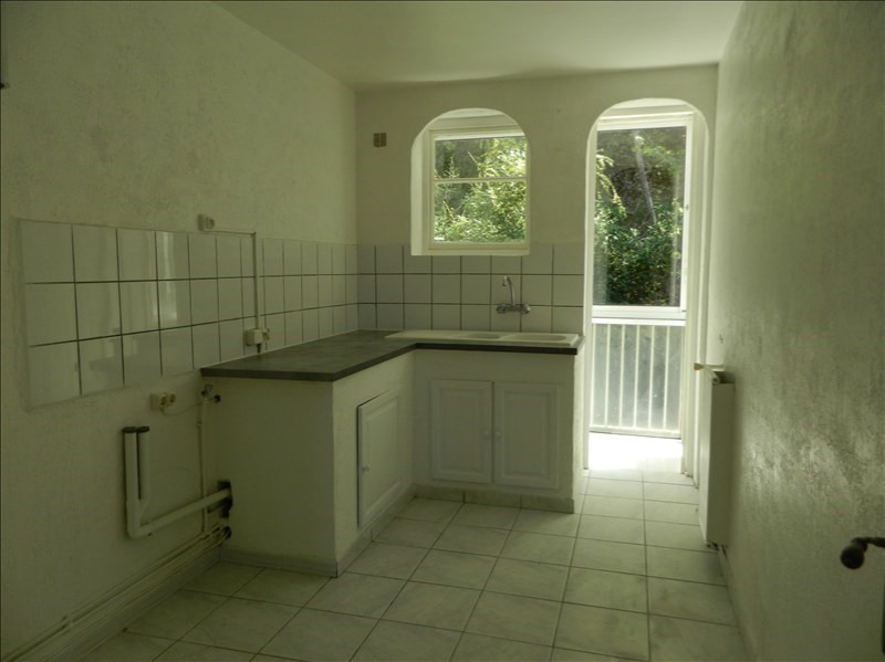 Location appartement Toulon 745€ CC - Photo 2