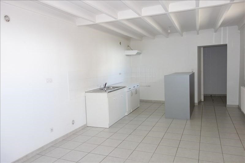 Location appartement Renaison 598€ +CH - Photo 1