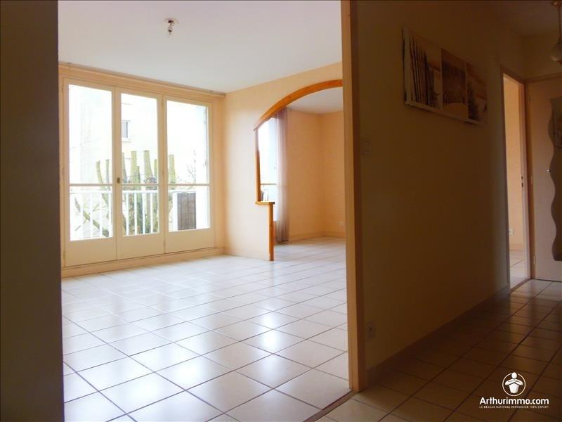 Sale apartment Reze 99000€ - Picture 2