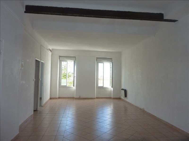 Location appartement Marseille 7ème 690€ CC - Photo 1