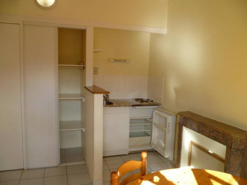 Location appartement Laval 250€ CC - Photo 3