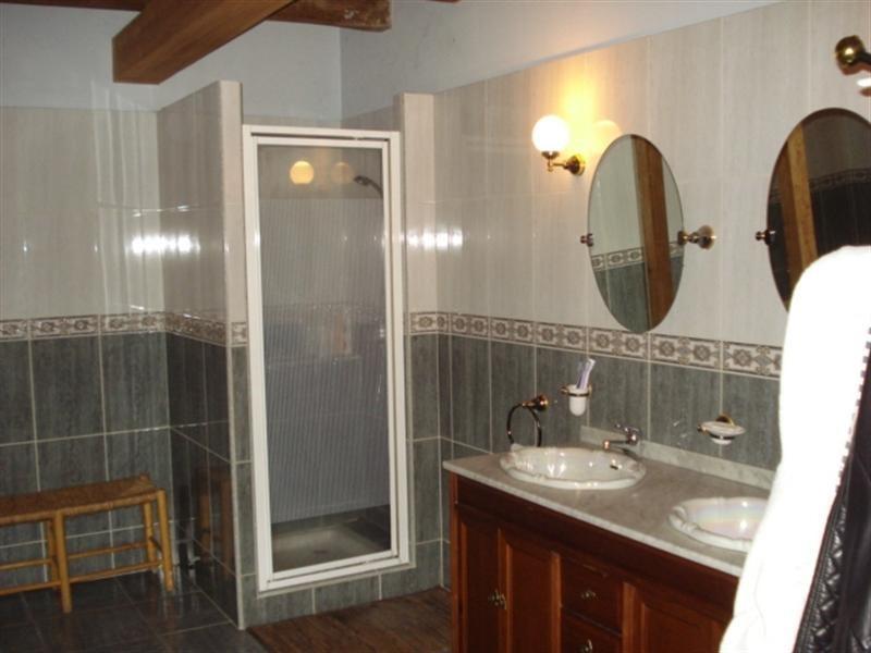 Sale house / villa Bords 190800€ - Picture 6