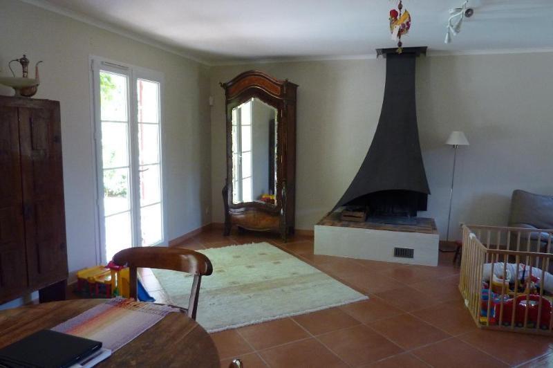 Location maison / villa Mimet 1898€ CC - Photo 4