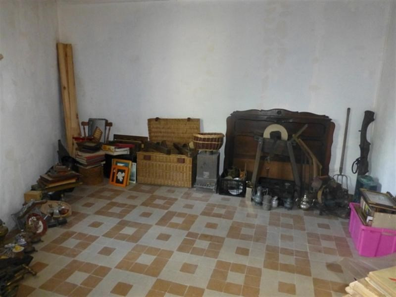 Sale house / villa Saint-jean-d'angély 48000€ - Picture 7