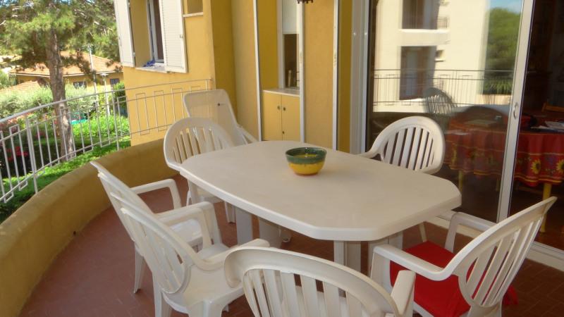 Location vacances appartement Cavalaire sur mer 750€ - Photo 2