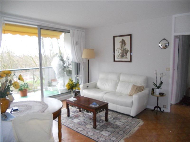 Sale apartment Marly le roi 210 000€ - Picture 1