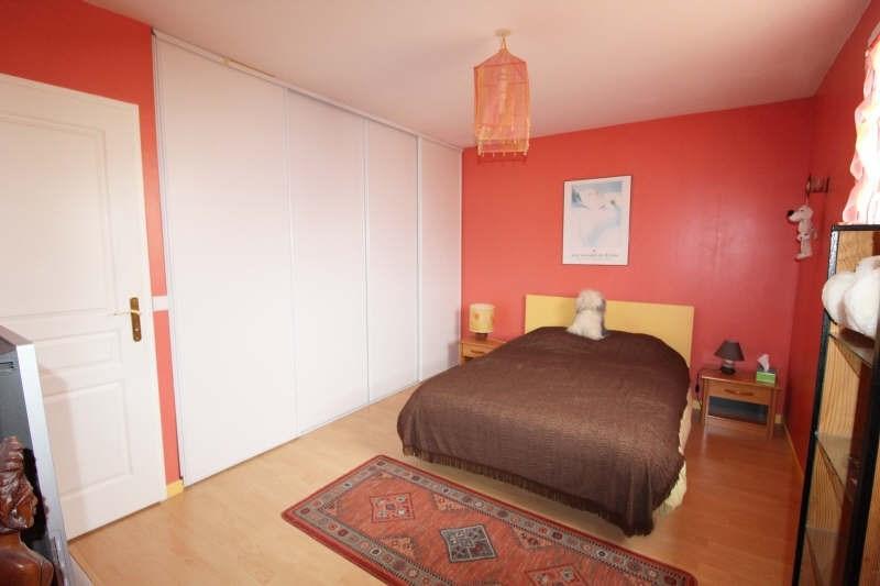 Sale house / villa Maurepas 367500€ - Picture 4