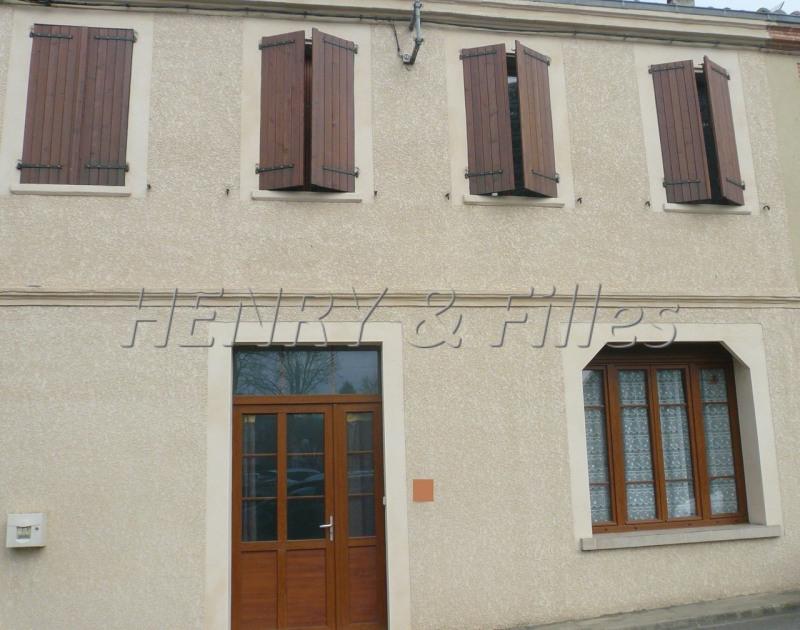 Sale house / villa L'isle jourdain 265000€ - Picture 1
